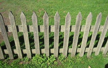 Tidsmæssigt Skal du have plankeværk eller et fast hegn? IR-64