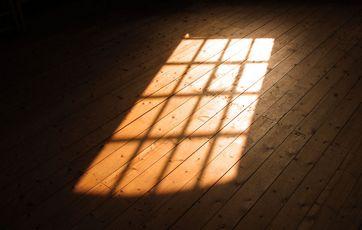 sol gennem vindue