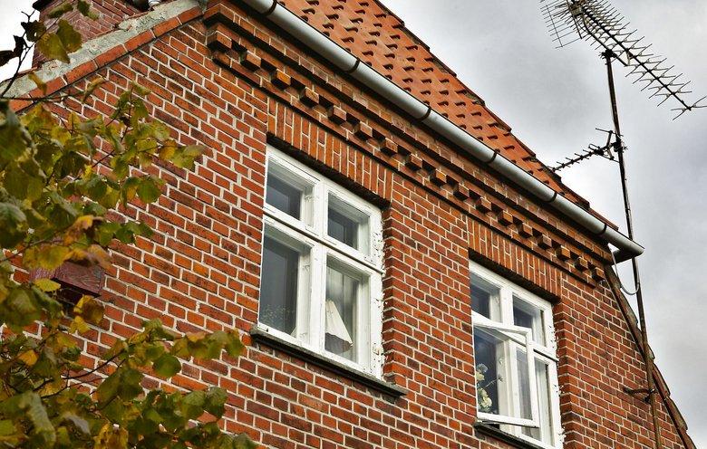 2a028b67e Mure og facader