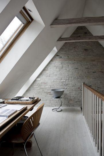 male murstensvæg indendørs