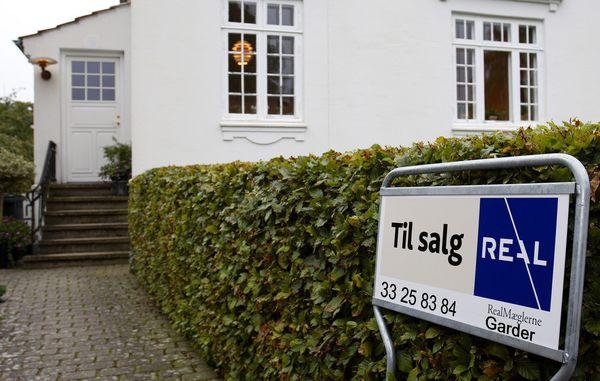 hvad koster det at sælge et hus