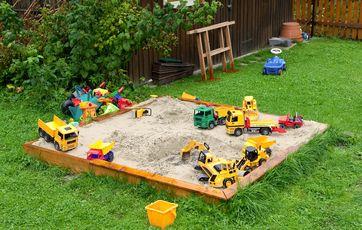 Seneste Hvor gør du af børnenes legetøj i haven? PW04