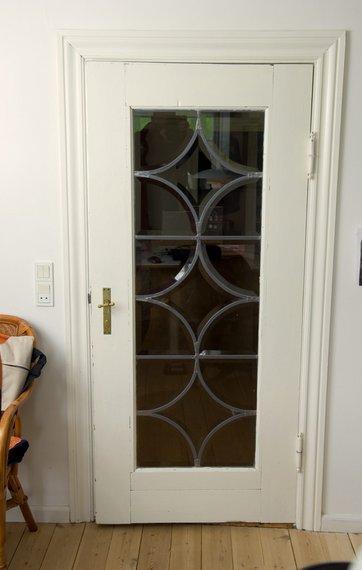 Fodpaneler og indfatninger om døre og vinduer