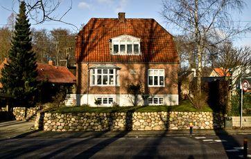 find prisen på din nabos hus