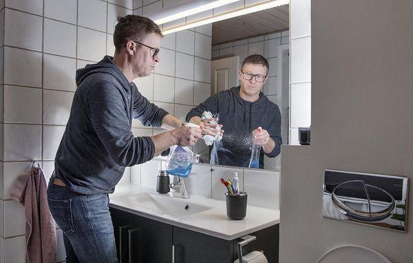 rengøring fliser badeværelse