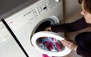 vand i vaskemaskine