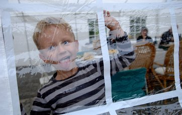 Se dig for, når du lejer telt til fest i haven