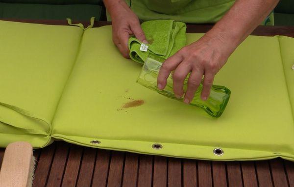 hvordan fjerner man jordslåede pletter