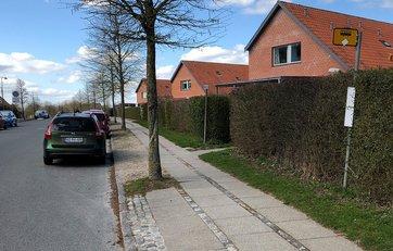 parkering af firmabil på villavej